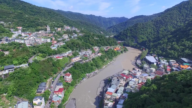 烏來電廠水源新店溪俯瞰