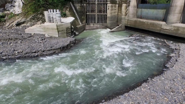 新店溪烏來電廠水源之一的阿玉壩水閘門