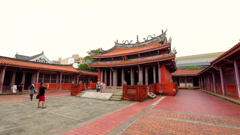 安平港:臺南孔子廟建於鄭經時期1665年,為臺灣最早的文廟。清領初期是全臺童生唯一入學之所,因此稱「全臺首學」。