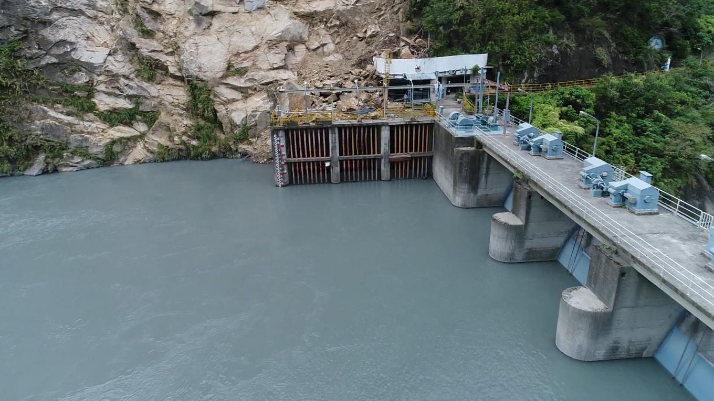 立霧溪流域立霧電廠水源之一的溪畔壩排洪閘門及制水門
