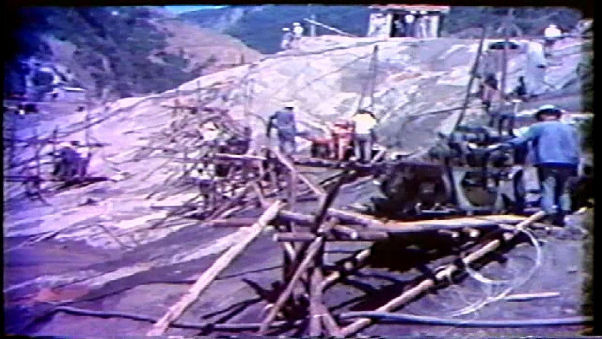 榮工處承辦之曾文水庫工程進行遮幕灌漿帶的測量與施工