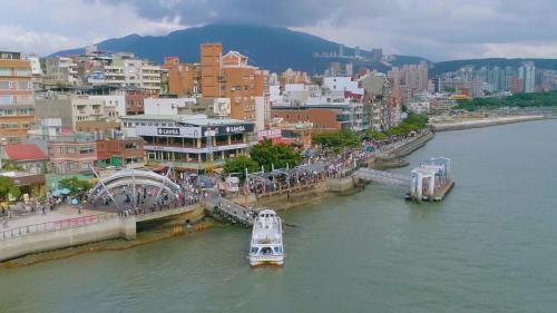 淡水港:今日的淡水老街及渡船頭