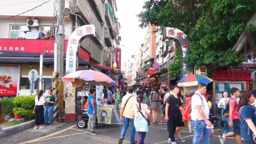 淡水港:今日繁華的的淡水老街