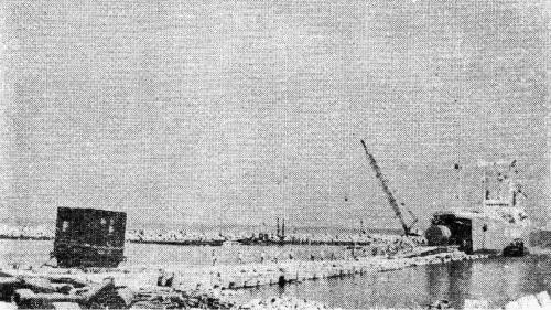 林口電廠建廠發電機及主變壓器搶灘卸駁