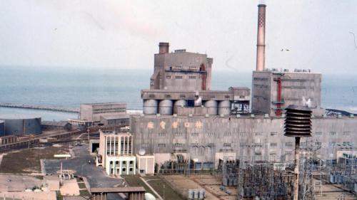 林口電廠的舊林一及二號機,廠房及開關場:舊林一及二機於2014年 8 月 31 日起解聯停機,並除役拆除。