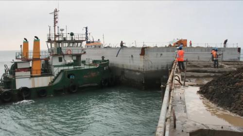 林口電廠擴建所需沈箱在台北港製造後拖至林口電廠