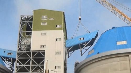 林口電擴建工程中筒式煤倉倉頂以及輸煤皮帶機的吊裝