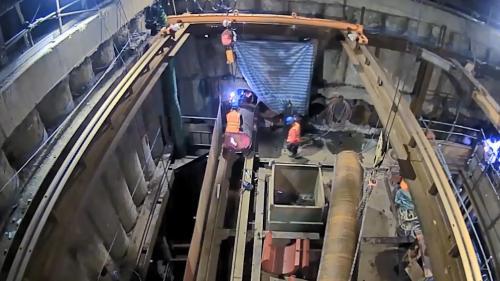 林口電廠輸煤廊道使用的管幕工法施工(通過西濱快速道路與林口溪段地底)