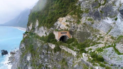 花蓮港:蘇花舊公路(清水斷崖)峭壁崩塌