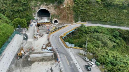 花蓮港:2011年,交通部公路總局進行「臺九線蘇花公路山區路段改善計畫」,簡稱「蘇花改」。