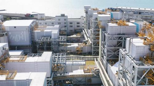 林口電廠的脫硝與海水脫硫系統廠房