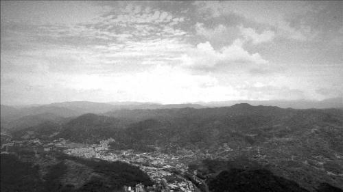 瑠公圳:台北盆地有廣大肥沃的土地,於明末清初之際,漢人先後前來開墾