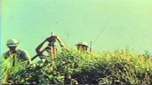 1973年5月由榮工處施工中的蘇澳港-工程師測量中: 1973年5月,行政院指示將「蘇澳港」升格為國際港,列入當時台灣十大建設計畫之一,1974年7月蘇澳港擴建工程全面展開,由「榮工處」承建此項工作。