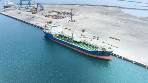 蘇澳港與泊船:蘇澳港可泊靠巴拿馬極限型船舶