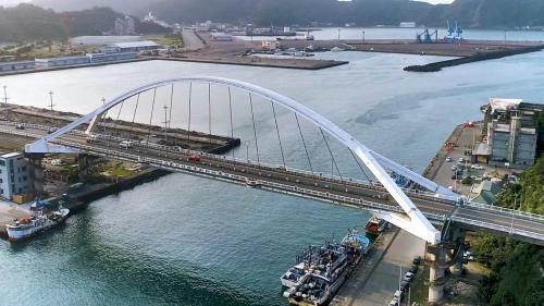 蘇澳港的南方澳大橋(跨海大橋)