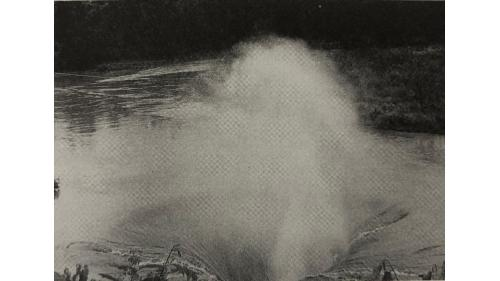 烏山頭水庫鐘口型廣頂堰:烏山嶺東口取入的水由西口流出透過漏斗型狀取水口導進烏山頭水庫,成了挹注嘉南平原的活水。