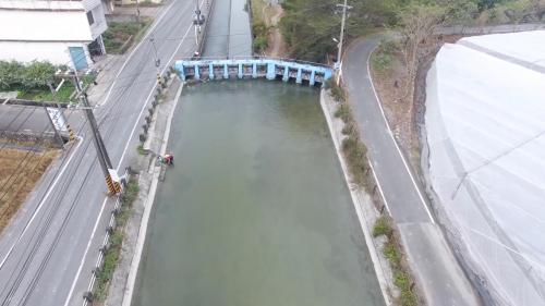 獅子頭圳--十穴 圳上的水閘門有10個