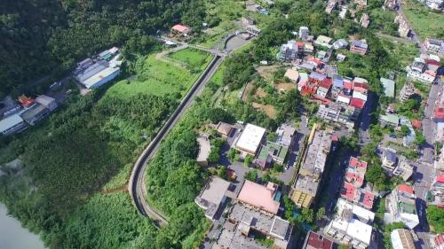 小粗坑電廠>小粗坑引水道明渠:引水路總長 2,262.59 公尺