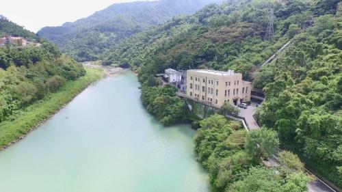 桂山電廠(新龜山): 台灣光復以後,台電公司為精簡組織,於 1975 年 5 月將三廠合併營運,並將「新龜山發電廠」改名為「桂山發電廠」。
