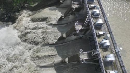 桂山電廠>桂山壩:桂山壩壩頂長 124.9 公尺,頂寬 6.4 公尺,集水面積 312.7 平方公里,蓄水容量 15 萬 2 千立方公尺。