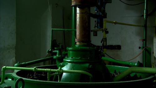 桂山電廠水輪機:目前桂山發電廠設置有豎軸法蘭西斯式水輪機兩部,每部機 組用水量為 15.95 秒立方公尺。