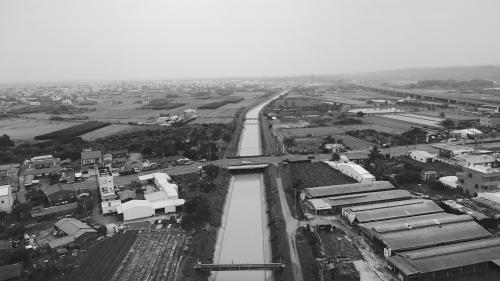 嘉南大圳北幹線:灌溉北港溪以南至烏山頭貯水庫間的56,000甲土地,長度總計47.5公里。