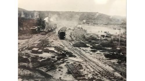 嘉南大圳>烏山頭水庫的鐵路系統:而後隨著各工程的進行,共舖設了曾文溪線等11條輕便軌道。