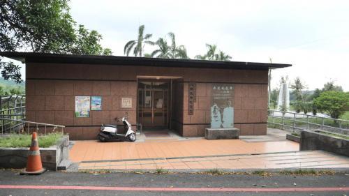 嘉南大圳>八田技師紀念室:位於送水口上方,也是八田與一的夫人千代樹殉情的地方。