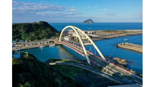 基隆港:基隆社寮橋是和平島第二聯外橋樑