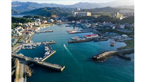 基隆港:基隆八斗子漁港鳥瞰全景,1979年興建完成