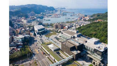 基隆港:國立基隆海洋科技博物館全景   2014 年 1 月落成