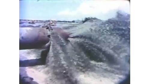 台中港第一階第一期工程浚挖出來的泥沙填入港區新生地:總計填築新生地530公頃