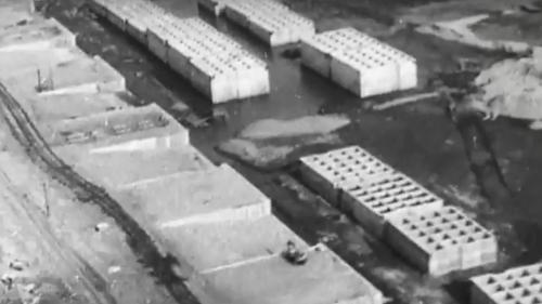 台中港建港沙灘製造防波堤沉箱
