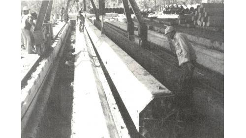 台中港5-8号棧橋式碼頭完成之基椿吊移貯存