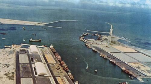 台中港第一階段1-3號及5-8號碼頭工程鳥瞰