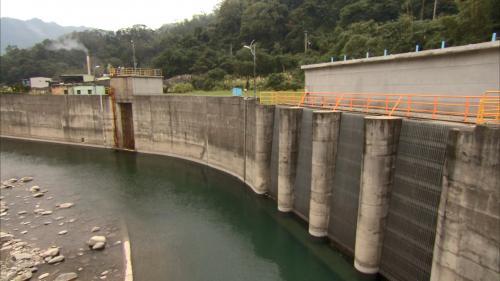 軟橋電廠發電用水來源上坪攔河堰進水口