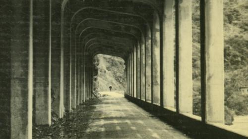 烏來電廠昔日在新店溪畔之安全走廊
