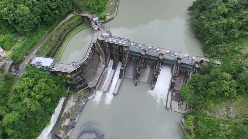 新店溪烏來電廠水源之一的羅好壩上空俯瞰
