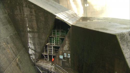 翡翠電廠壓力鋼管前段(埋設於翡翠水庫壩體及錨座內)