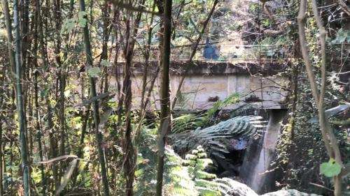 白冷圳矮山支線過水吊橋:除60公尺長、一公尺寛橋面吊橋外,還銜接約200公尺長的水泥渡槽,渡槽懸掛在山壁上,建造的工程相當艱鉅,至今已有80餘年的歷史。