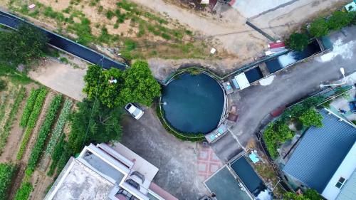 白冷圳圓堀分水池:或稱圓堀口,直徑10公尺,深2.5公尺