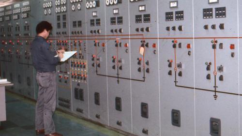 林口電廠氣渦輪機控制室
