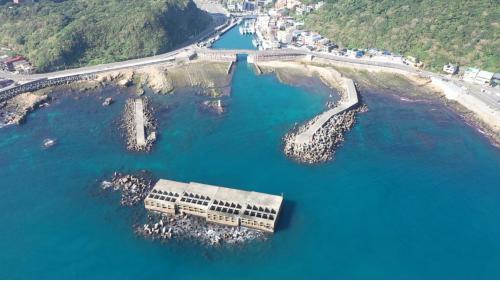 北部火力發電廠東側的長潭里漁港