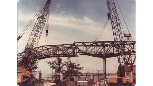 大林電廠建造中之出灰輸送帶架