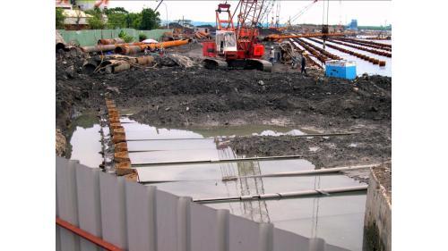 大林電廠卸煤碼頭施工-浪板樁填土區