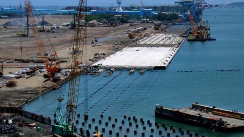 大林電廠卸煤碼頭施工-錨樁工程