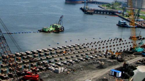 大林電廠卸煤碼頭施工-吊裝樁頭護件