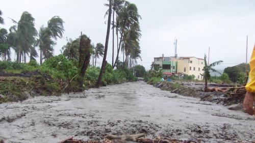 莫拉克風災時舊寮舊圳景象--2009年莫拉克颱風在高樹地區降下2330毫米雨量,沖毀舊寮舊圳。