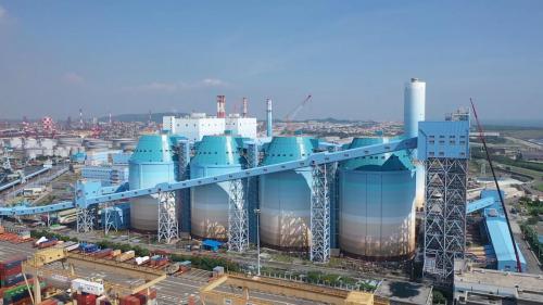 大林電廠筒式煤倉:大林電廠的8座煤倉總儲煤量達56萬噸,可供大林新一機及大林新二機兩部機組滿載運轉40多天。
