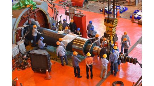 大林電廠機組保固大修之二號機發電機抽轉子